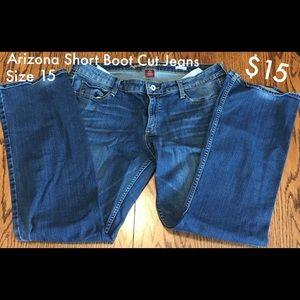 Arizona Short Boot Cut Jeans - Size 15
